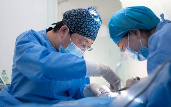 Chirurgia plastyczna - gdzie studiować, by wykonywać ten zawód?