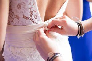 Na jaką okazję założyć sukienkę koronkową?