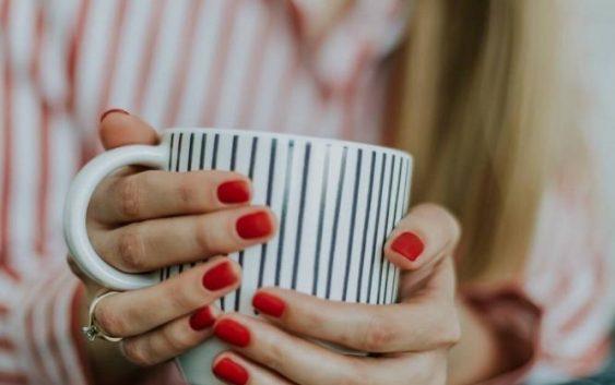 Jak rozpocząć stylizację paznokci?